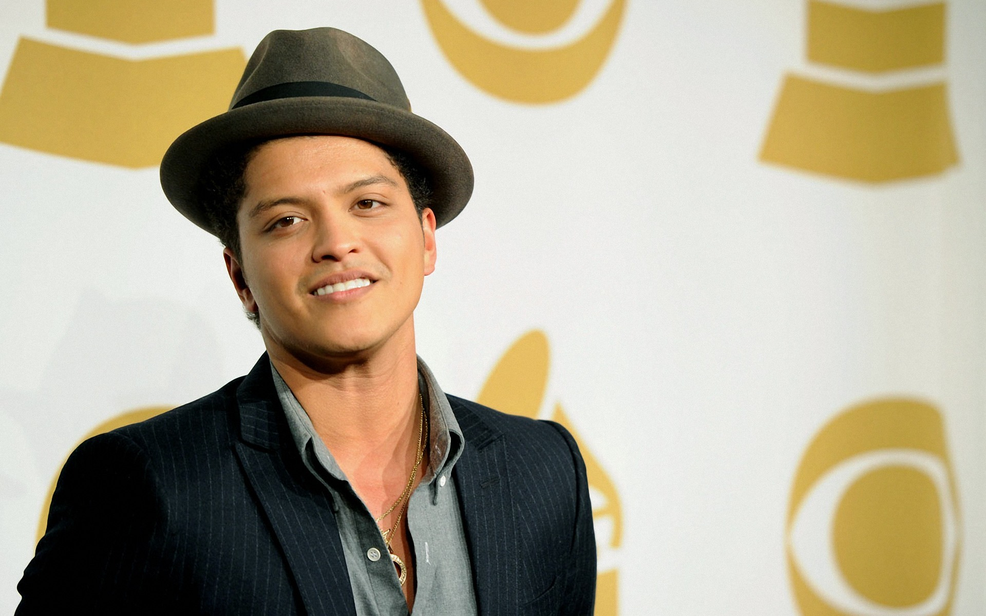 Bruno Mars HD Wallpapers