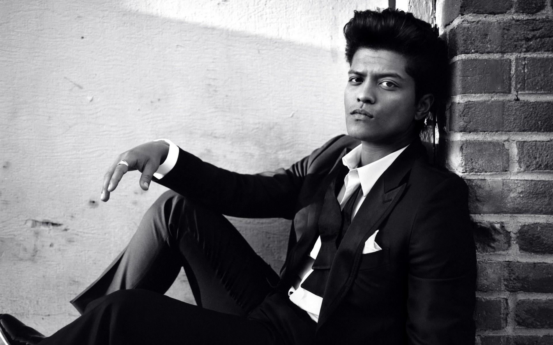Bruno Mars Images & pics