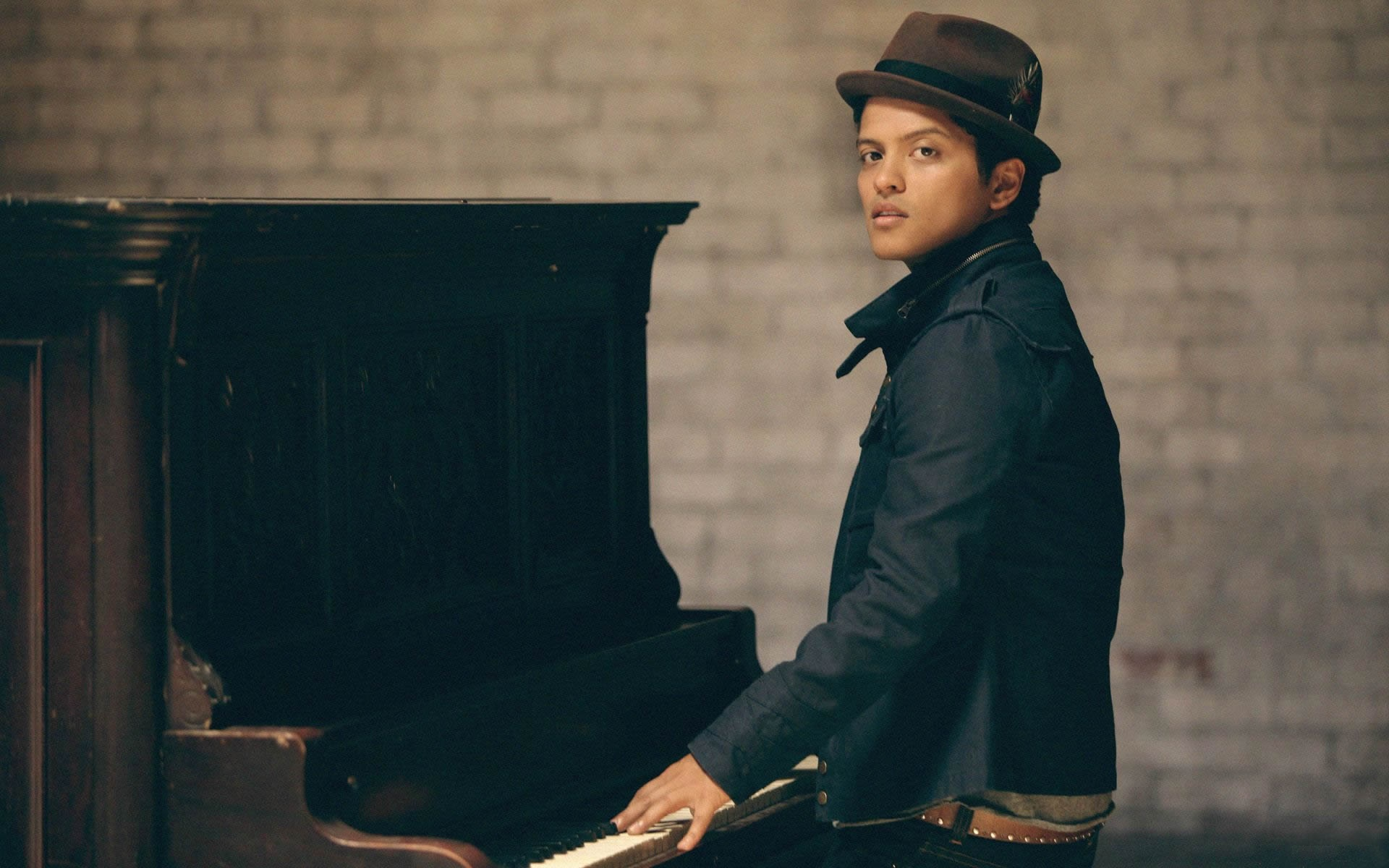 Bruno Mars Images & picture