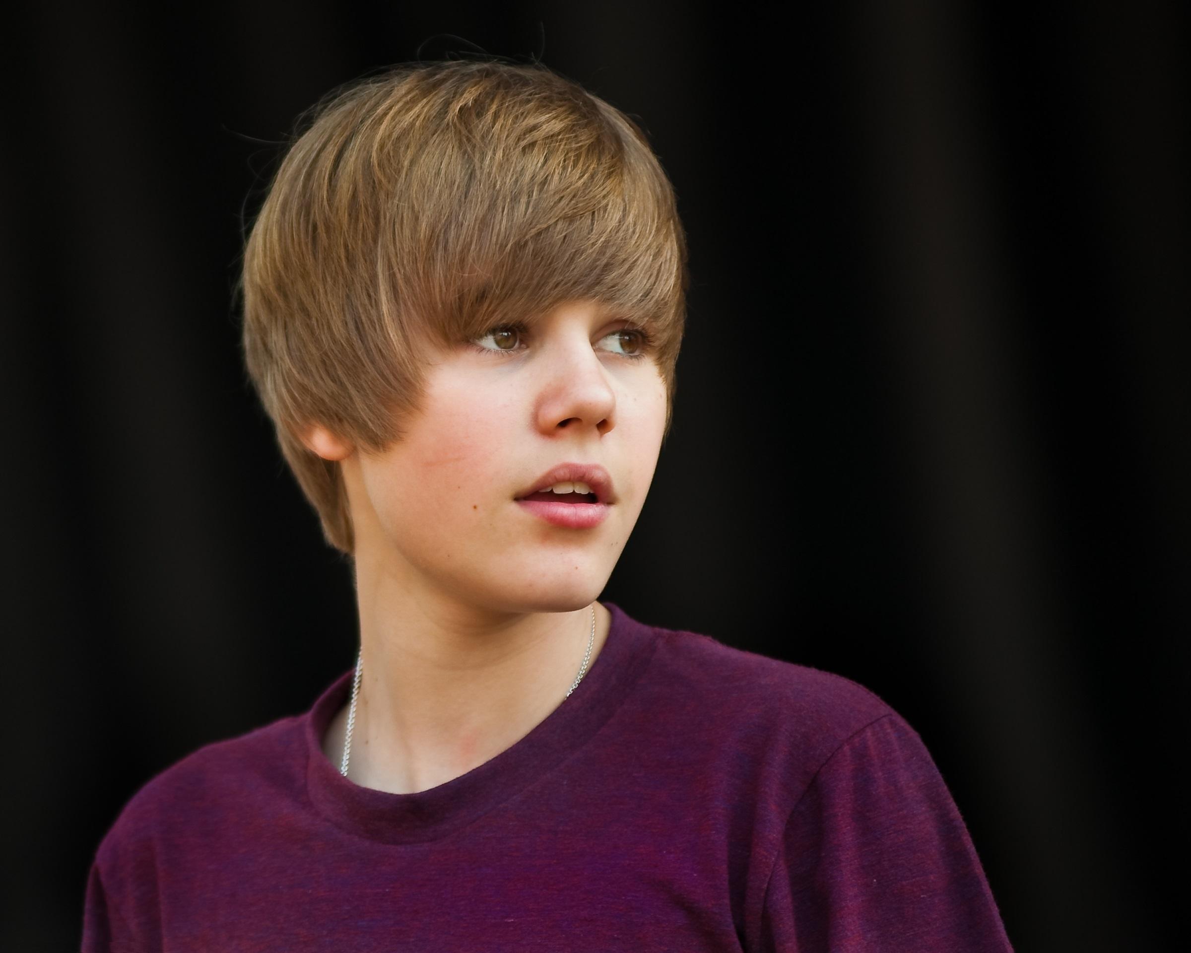 Justin Bieber  Wallpaper & photo