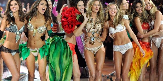 Victoria's Secret Fashion Show Photos & wallpaper