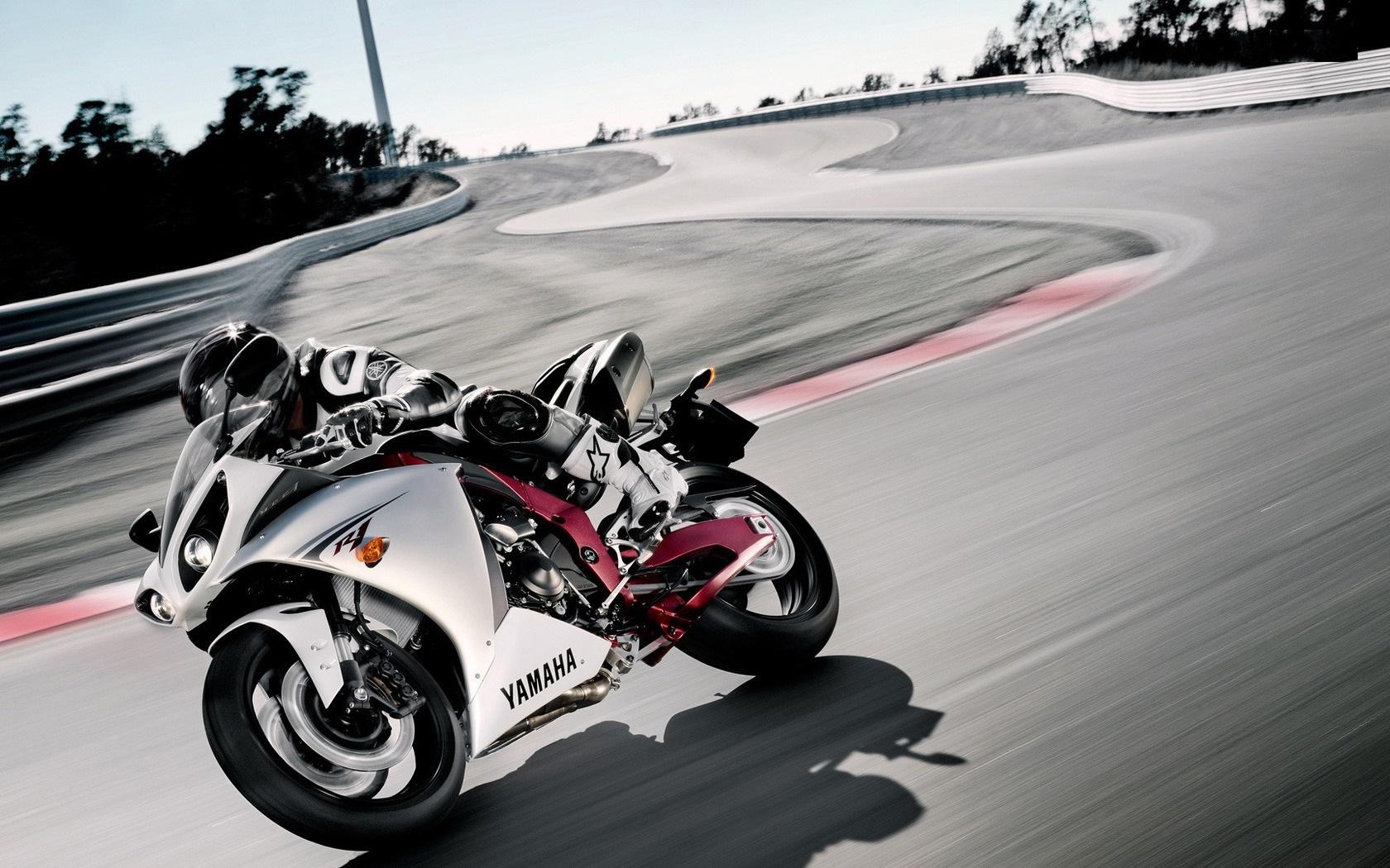 Yamaha Tesseract Bikes Picture & Wallpaper