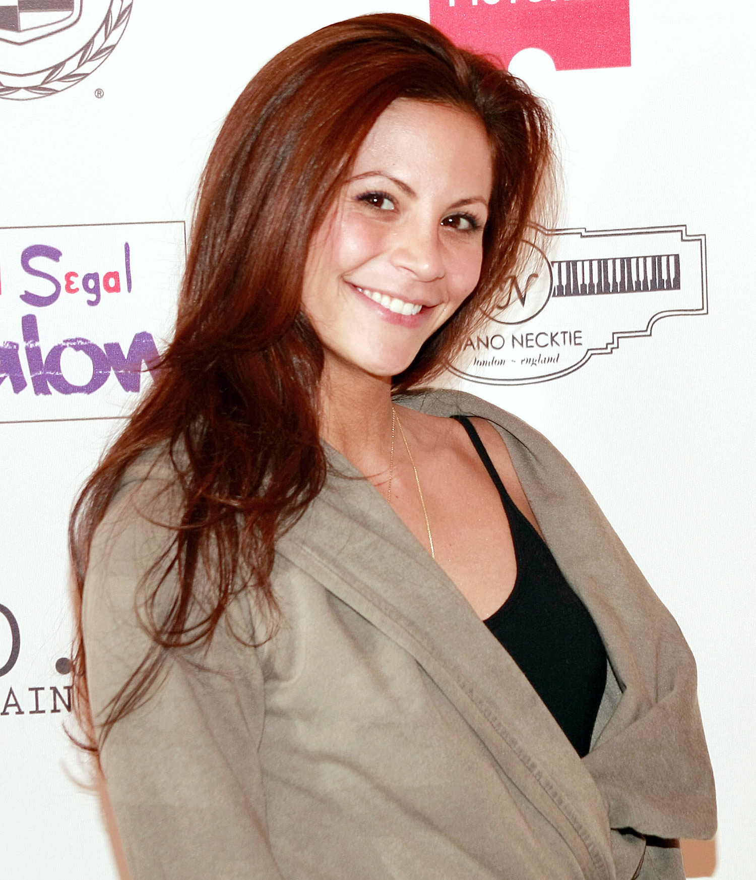 Gia Allemand Wallpapers & Pictures
