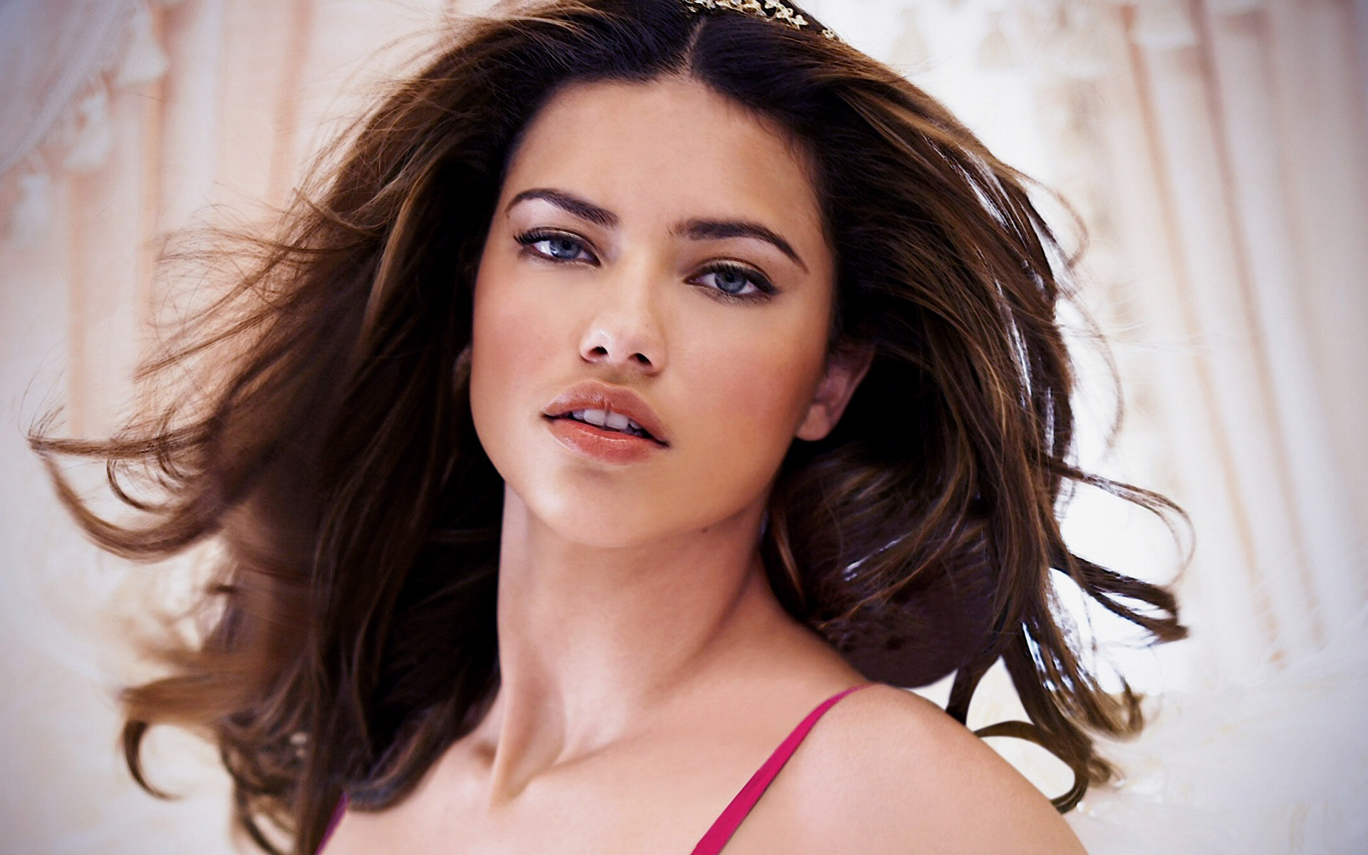 Adriana Lima HD Wallpapers & Picture