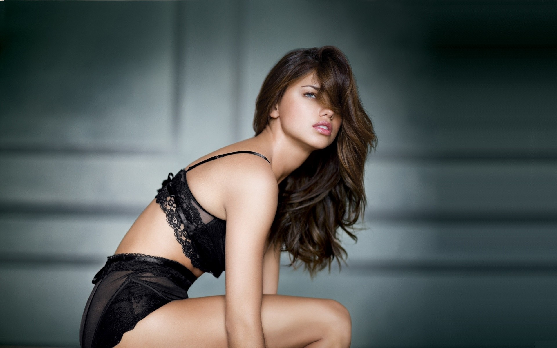 Adriana Lima Modeling wallpapers