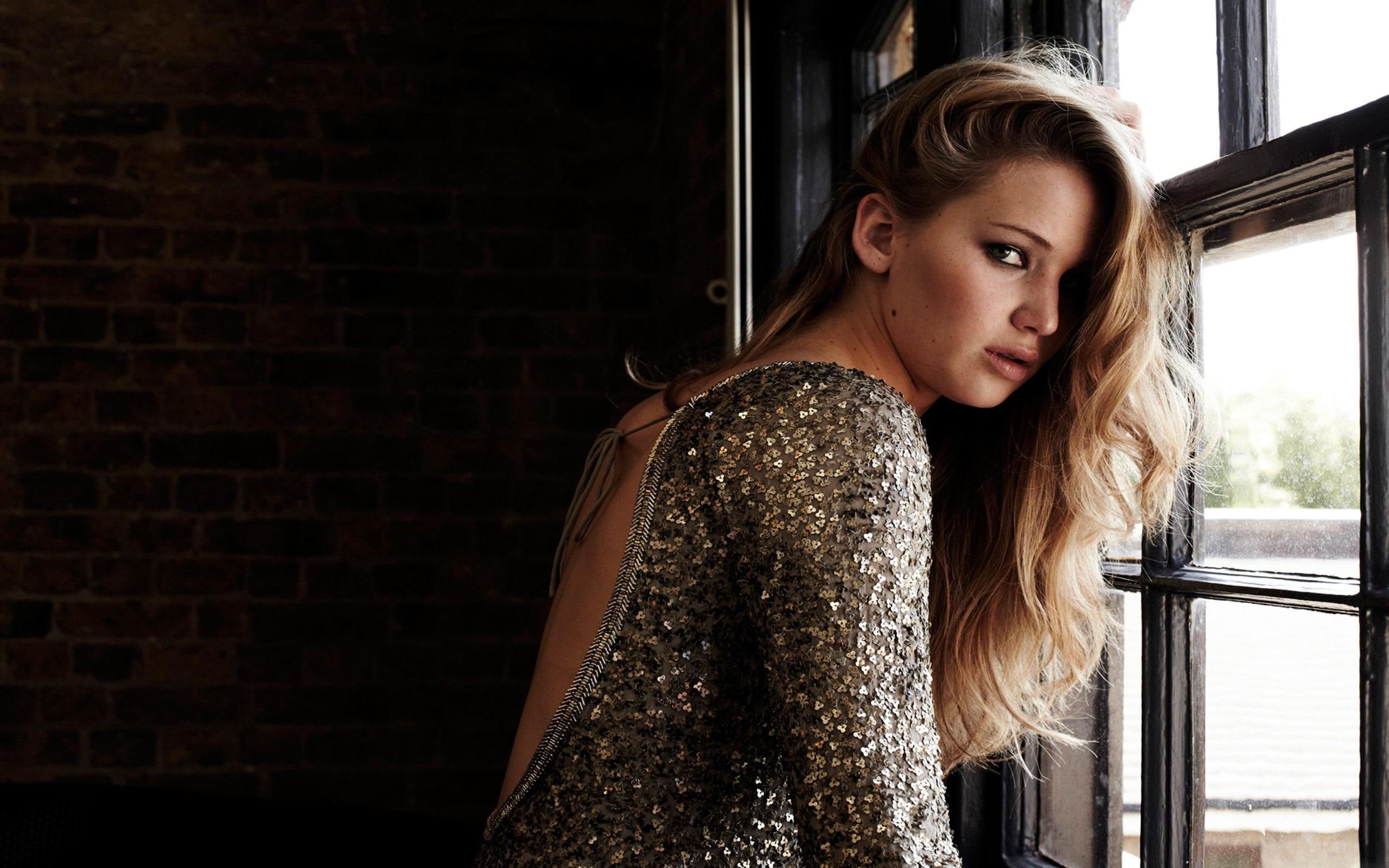 Jennifer Lawrence nice poss images