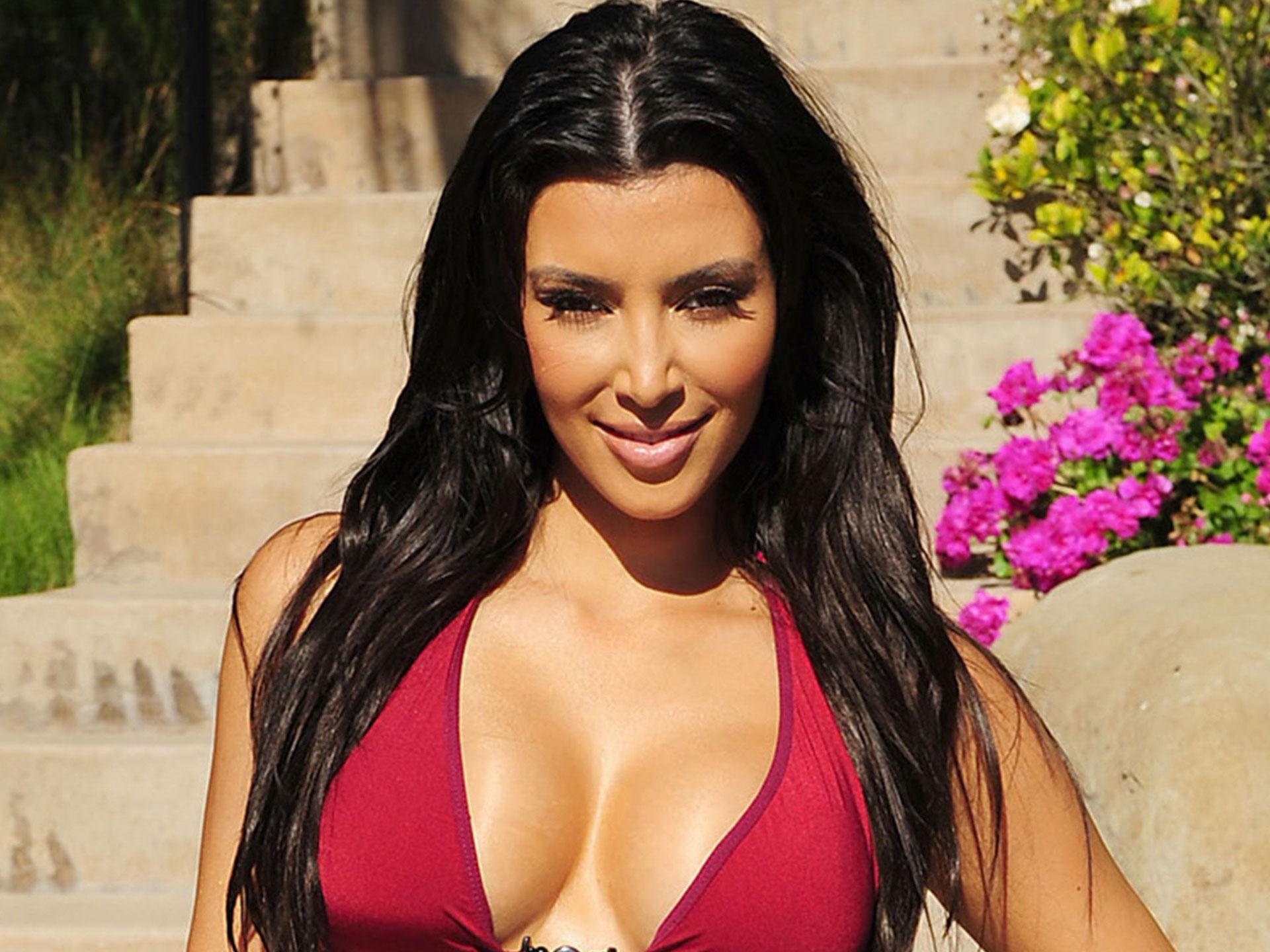 kim kardashian clevenje hd pics