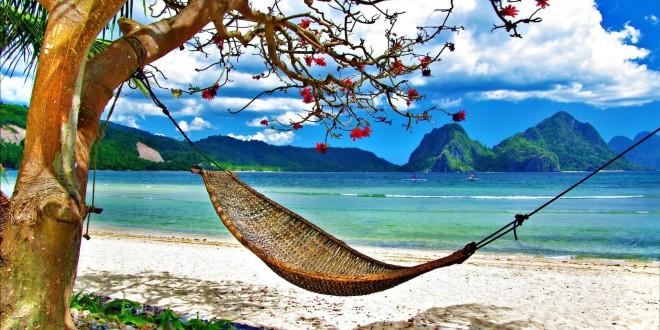 Amazing_Cute_Hammock_Beach_Image