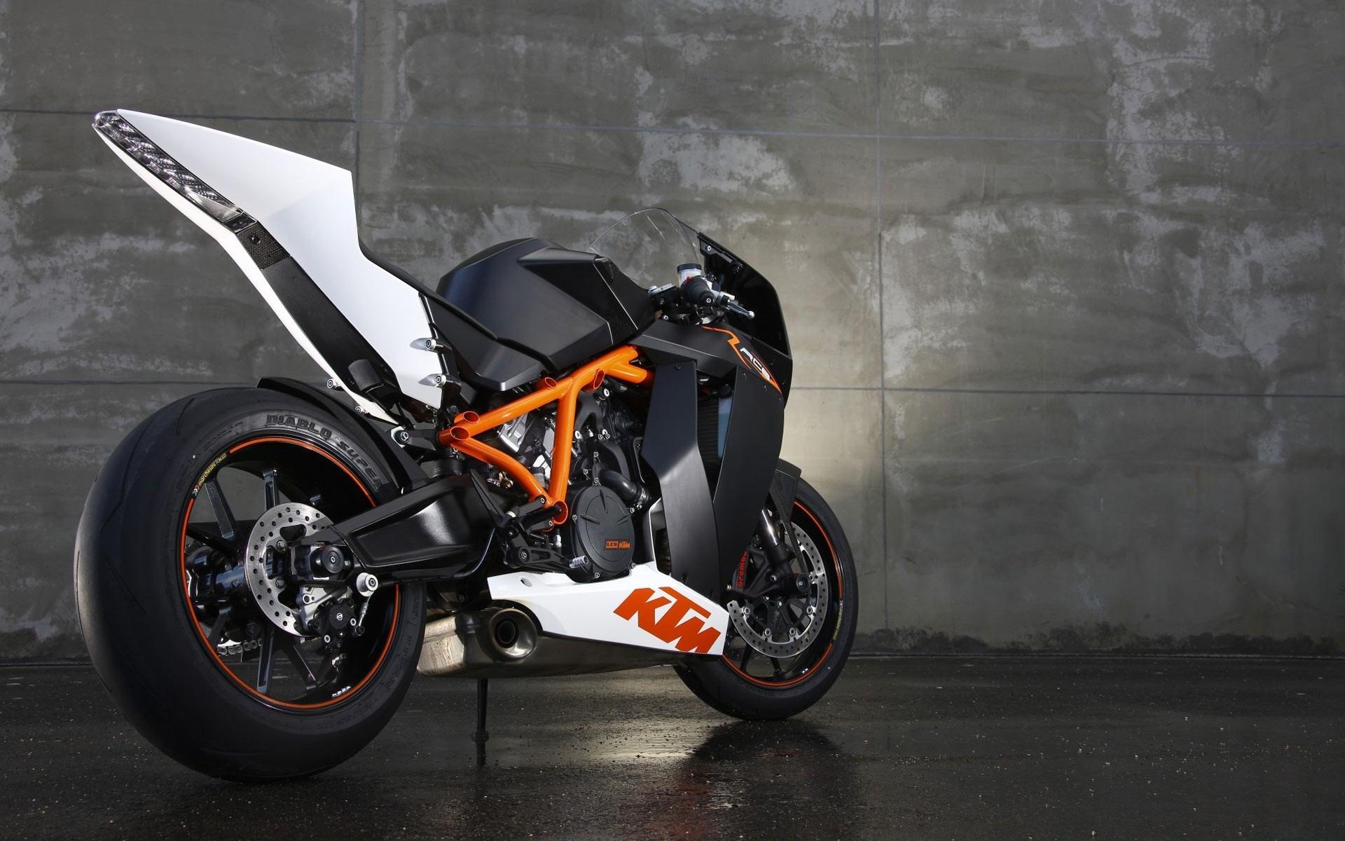 KTM RC8 Bike