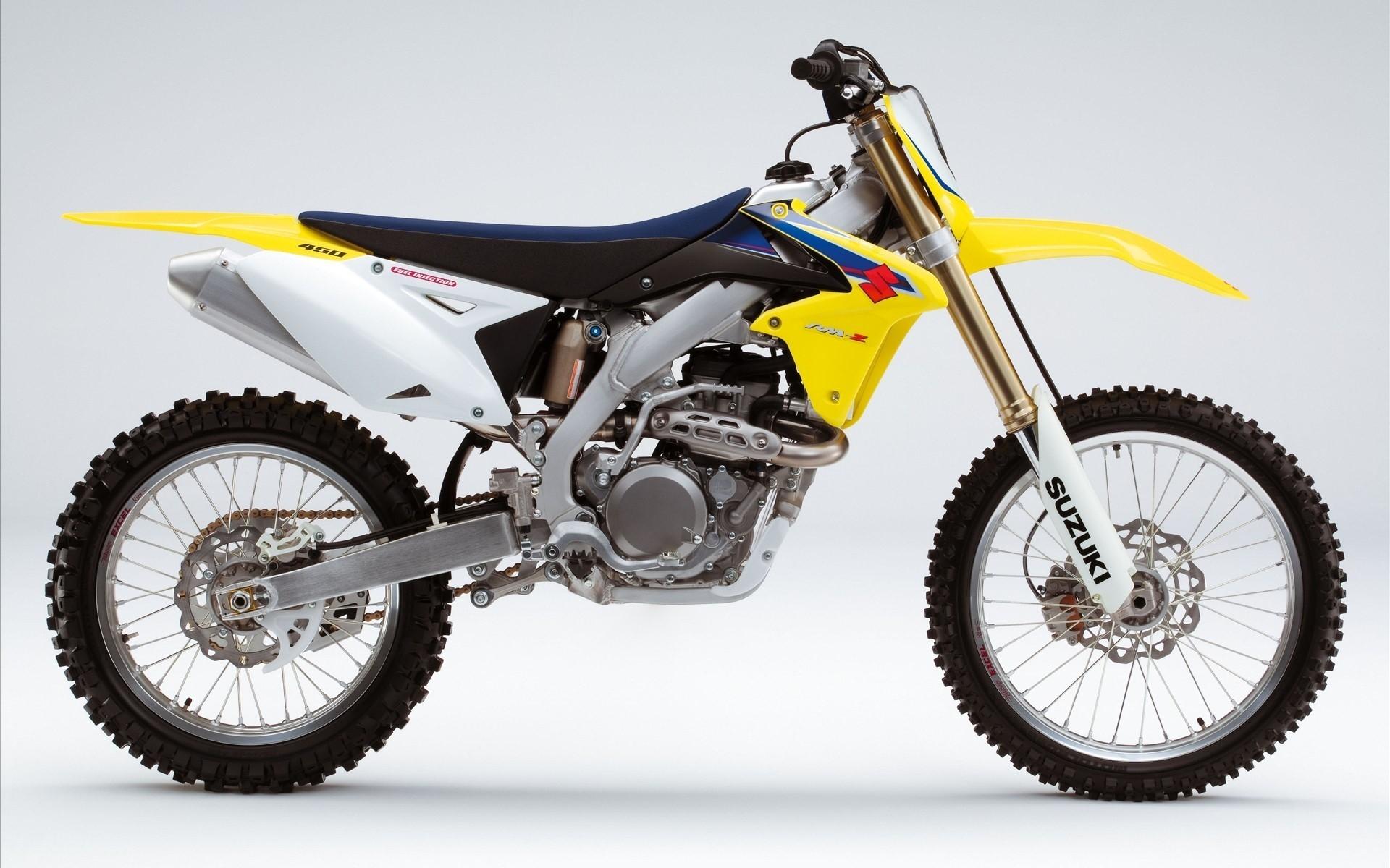 Suzuki RM-Z Bike