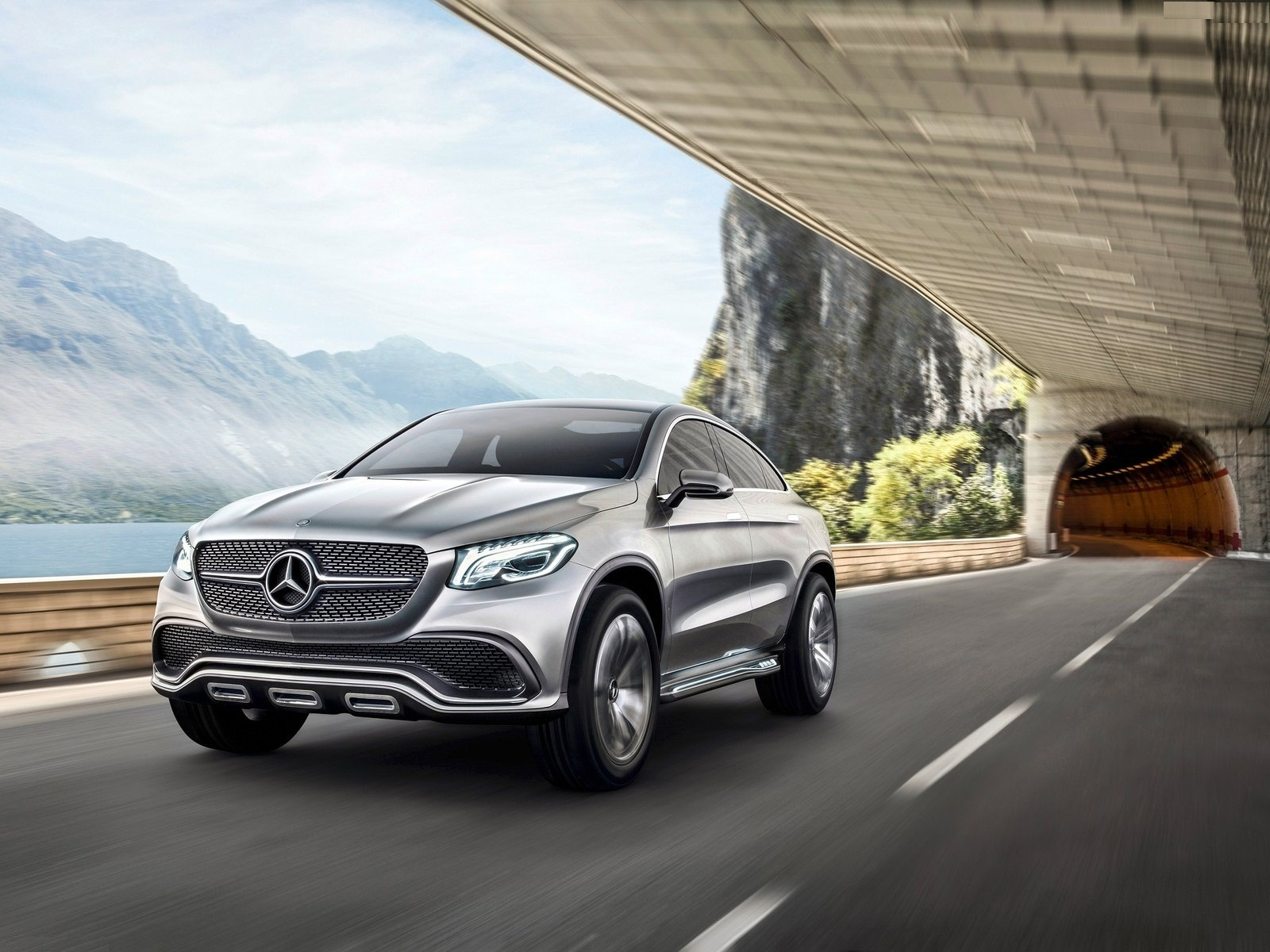 Mercedes Benz Coupe SUV Theme