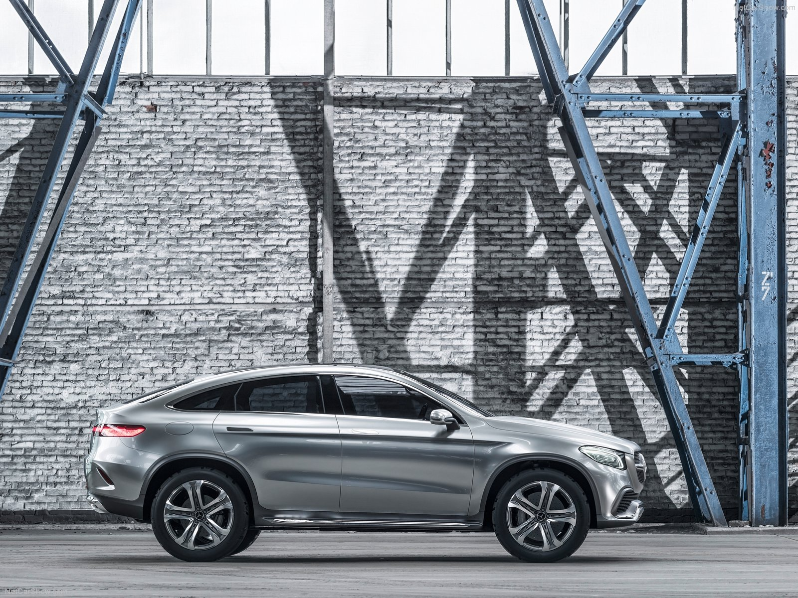 Mercedes Benz Coupe SUV Wallpaper