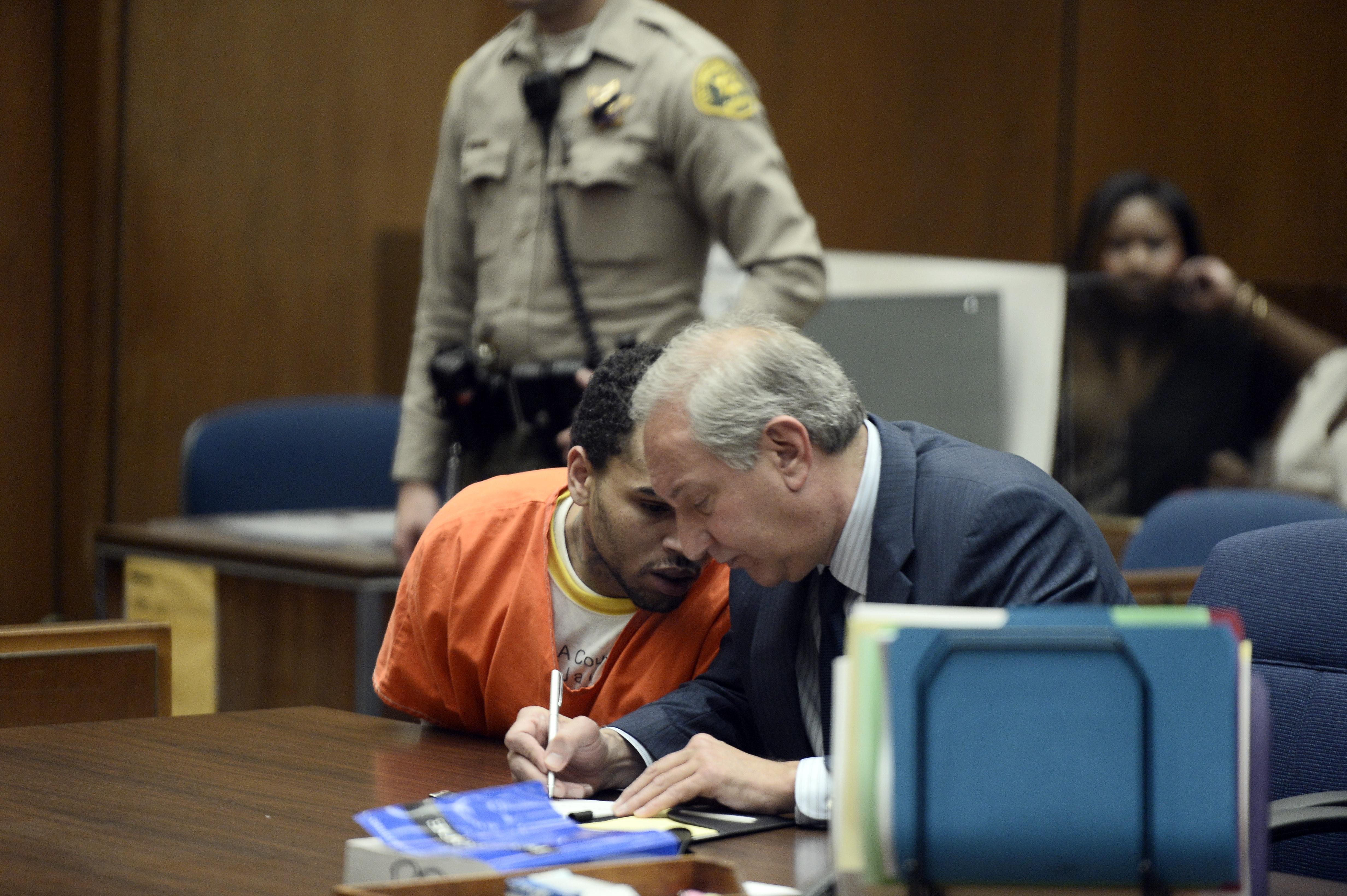 chris brown in jail