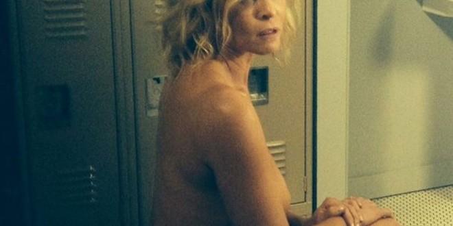 Chelsea-Handler-topless