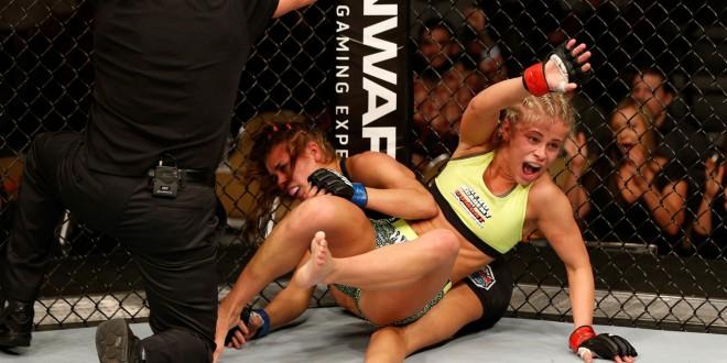 pics of women fighting