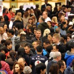 pictures of black friday shoppers