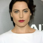 Antje Traue man of steel lipst eyes retro hairstyle-main