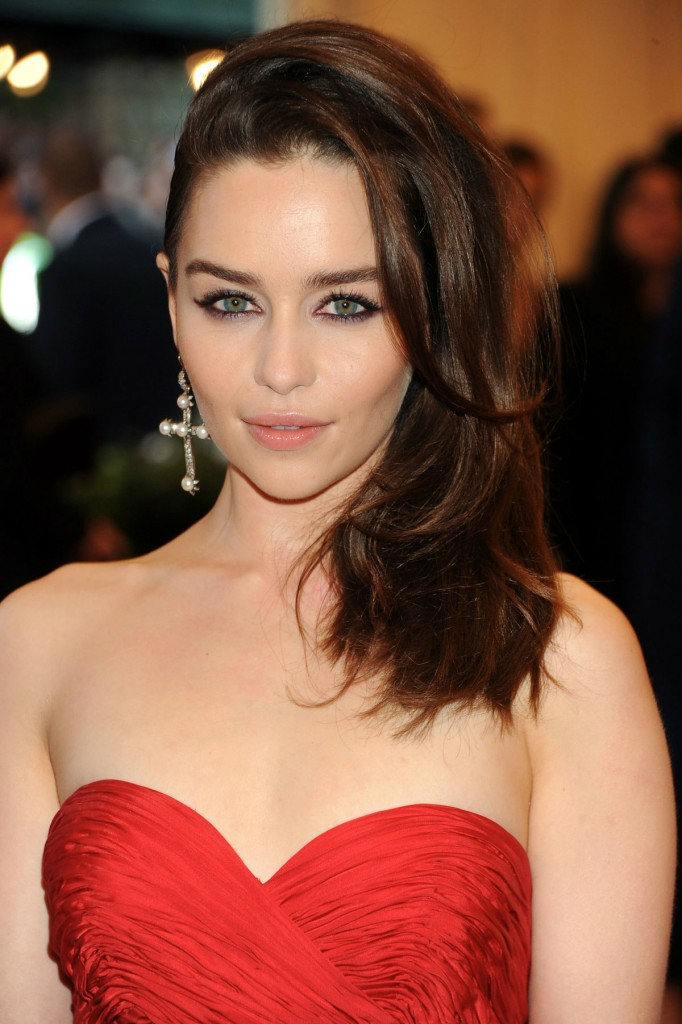 Emilia Clarke hd wallpapers