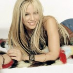 Shakira wide screen wallpaper