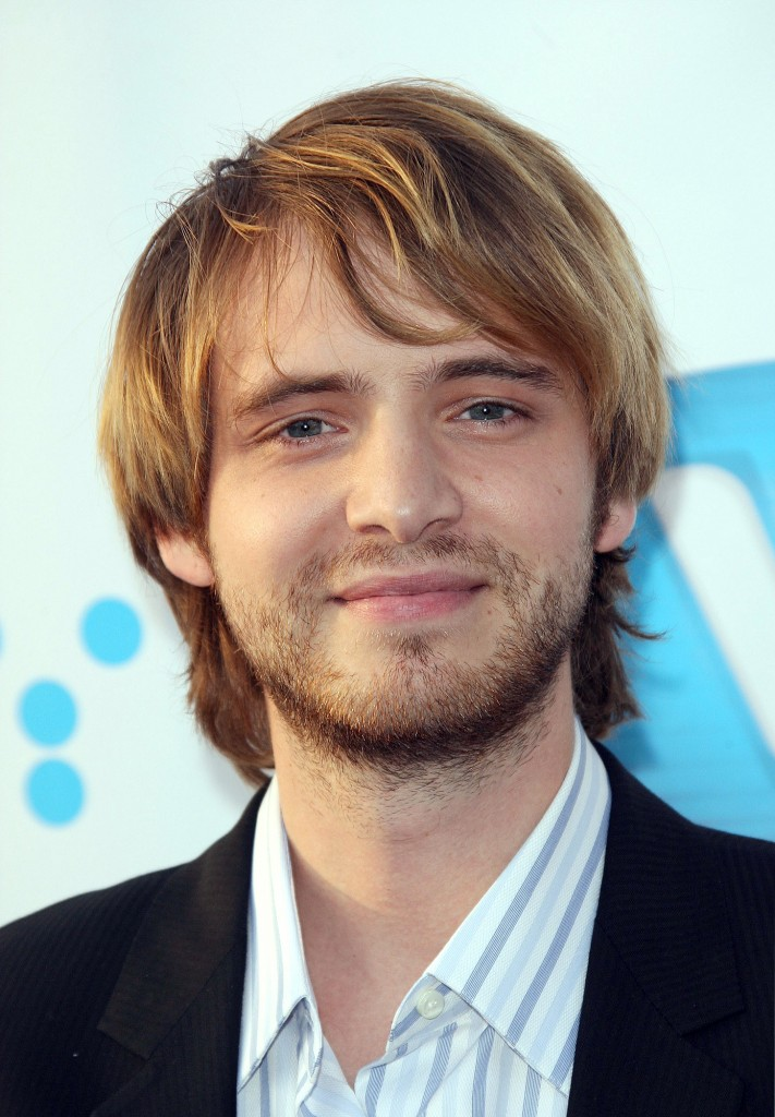Aaron stanford wallpaper
