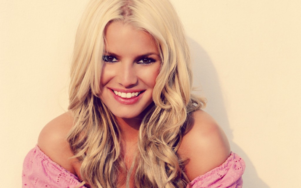 Jessica simpson with beautiful smile
